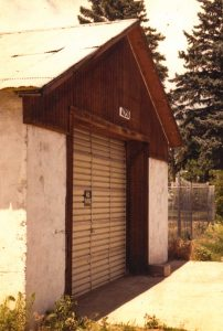 Remodel with log siding and Timberline log corners on commercial building in Hygiene, CO